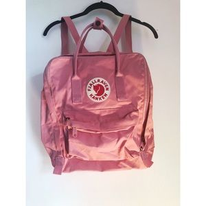 fjallraven kanken pink backpack 🎒